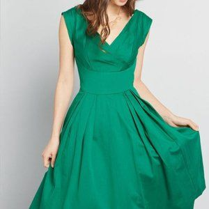 Modcloth Green Keener Postures Emily & Fin Dress